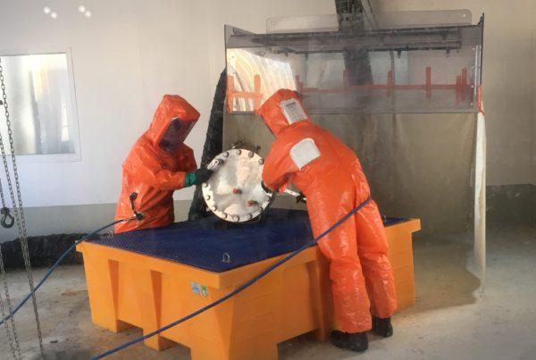 Décontamination d'équipement contaminé au trichlorure de bore par CURIUM
